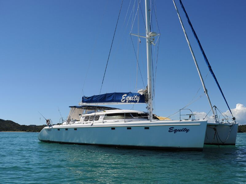 catamaran safari boat